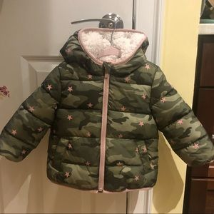 Super cute baby Gap toddler puffer coat 💚